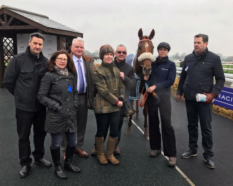 Glenforde with his owners after finishing 4th at Warwick on Saturday
