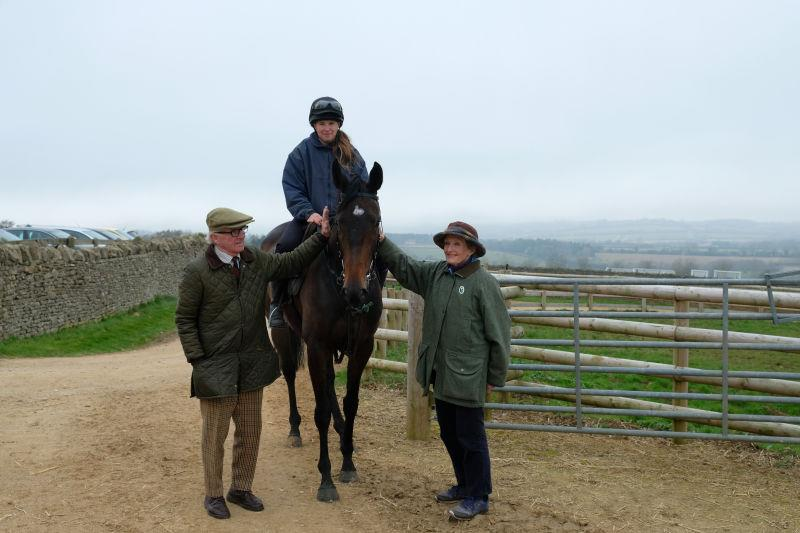 Philip and Sandra Arkwright with their Warwick bumper winning filly Diva Reconce