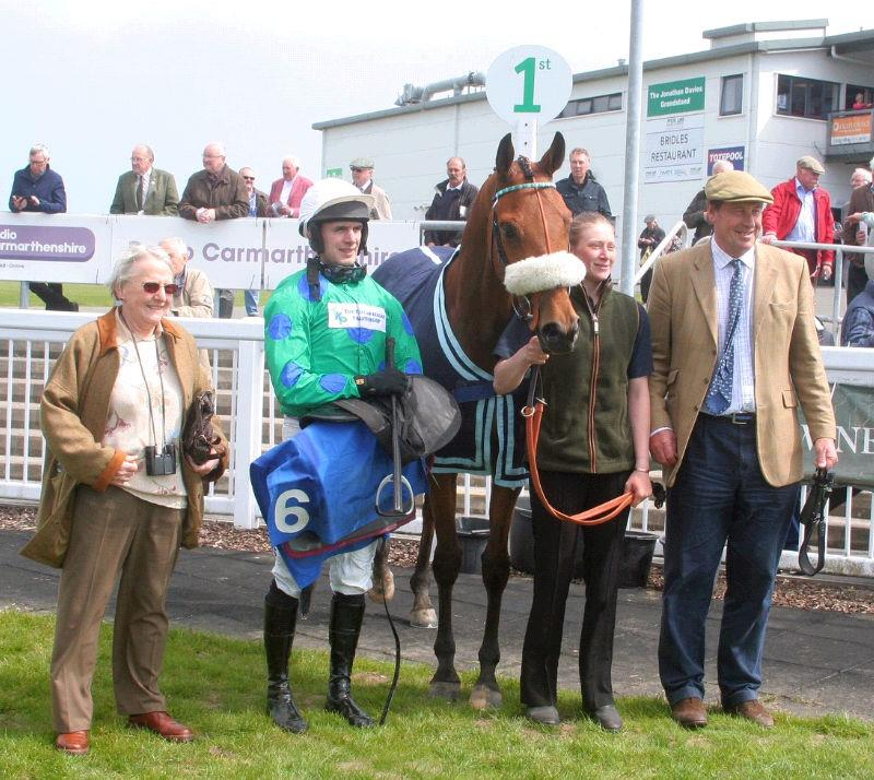 Elizabeth Kellar with her horse Mon Palois in ther winners enclosure at Ffos Las