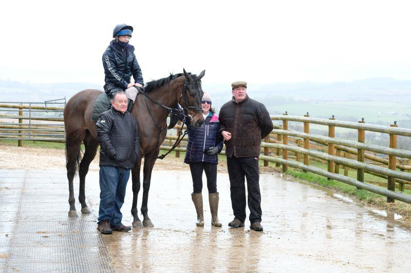 Tim, Gerry and Nick with the Arakan gelding.. 2 shares left..please ring me if you fancy joining them