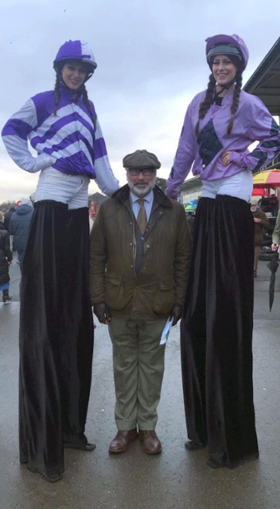 Walking tall at Warwick.. Sandy Douglas ..in the middle