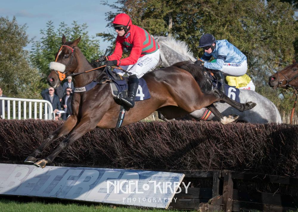 Station Master flying over the fences at Uttoxeter