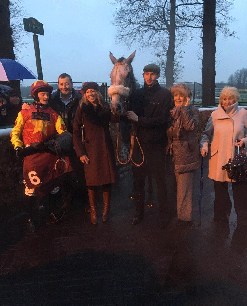 The Andrews family with their bumper winner Mr Grey Sky