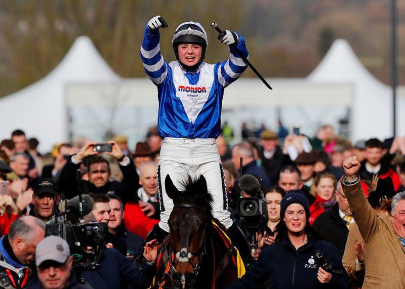 Bryony Frost and Frodon