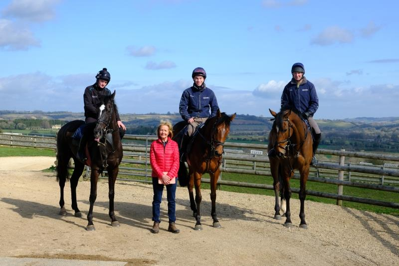 Mary Dulverton with Happygolucky, Talk Of Fame and Newtide.