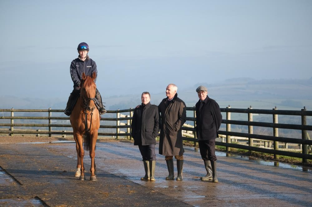 Shantou Express with his owners John Knock, Terry Crump and Keith Bratt