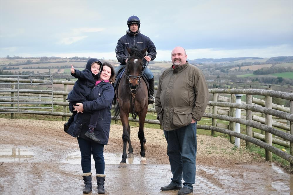 Thomas, Gabriella and Steve Winter with their horse Younevercall