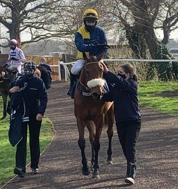 Ajero returns to the winners enclosure