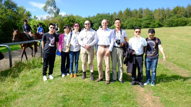 Ashley Ede with students from Wuhan University in China