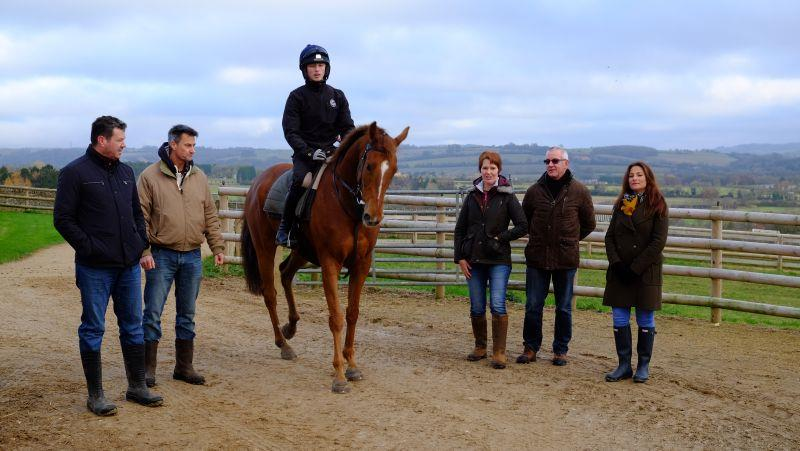Duncan Williams, Mike Kay, Jenny Swainson, Ian Beverley and Zoe with their horse Glenforde