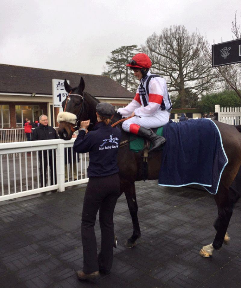 Henry Morshead and Blazon return to the winners enclosure